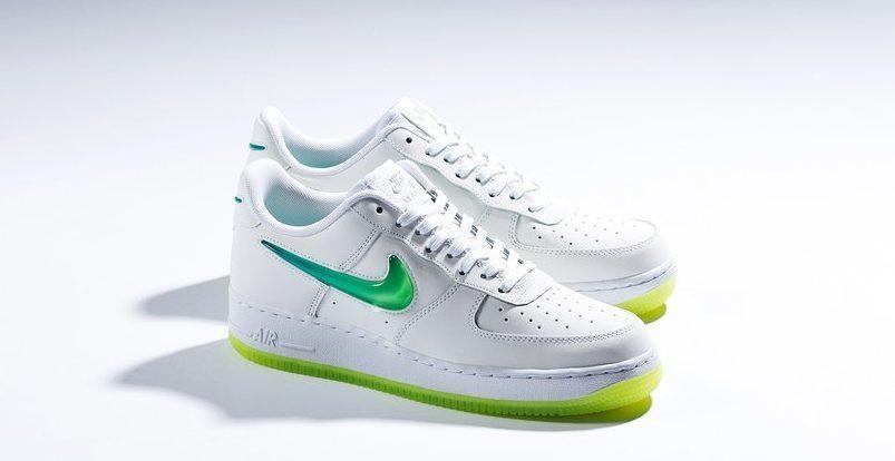 Nike_Air_Force_1_07_Premium_2_-_White-Volt-Hyper_Jade_AT4143-100_-_Feature-LV_-_February_21_2019-9_31525037-d15c-4a50-9718-bfc0dd8362dc_1024x1024-e1551381404727