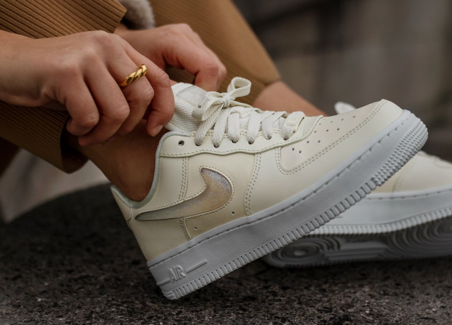 ab15c70e Nike Air Force 1 '07 SE Premium Jelly Puff со скидкой 60%