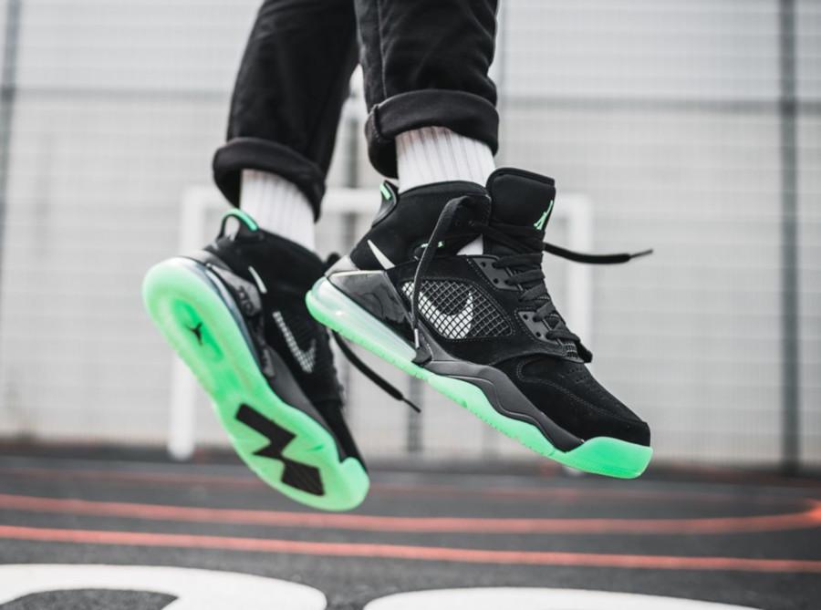 Jordan Mars 270 Green Glow (41-45)